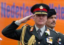 Виллем-Александр незадолго до почётной отставки из армии (январь 2013 г.)