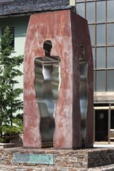 Памятник в честь принятия Конституции Андорры