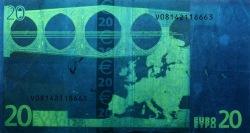 20 евро, обратная сторона в ультрафиолетом свете