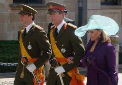 Наследный Великий Герцог Гийом (слева) с родителями
